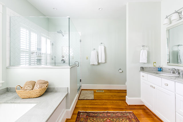 Interior photography of renovated Bathroom by RIC Design Build - Sarah Der