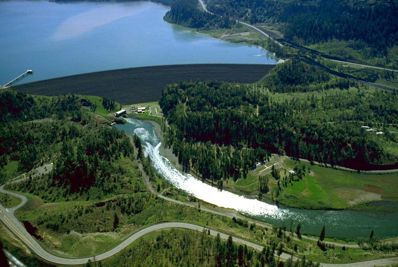 William Jess Dam at Lost Creek Lake, Wikipedia Commons