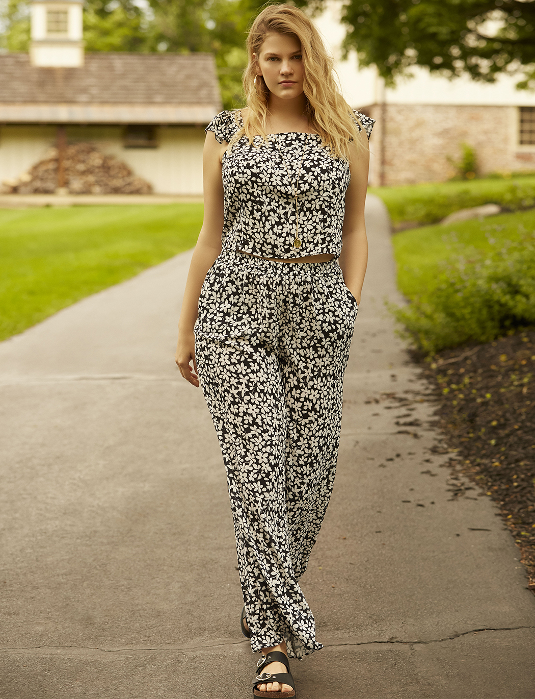 Floral Print Flare Pant