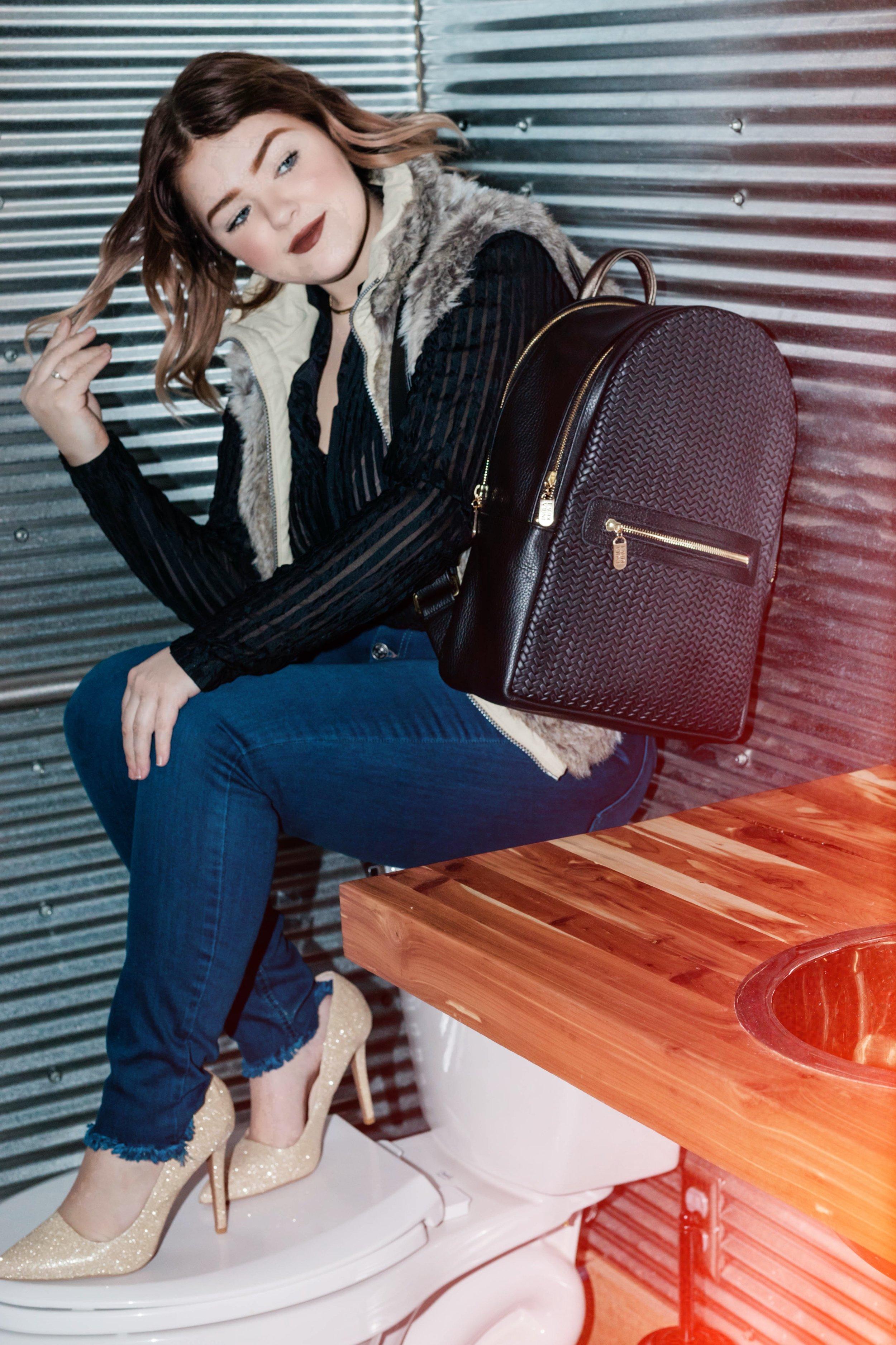 Moto Backpack, Laudi Vidni.