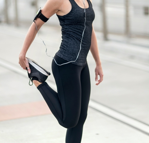 all black workout clothes