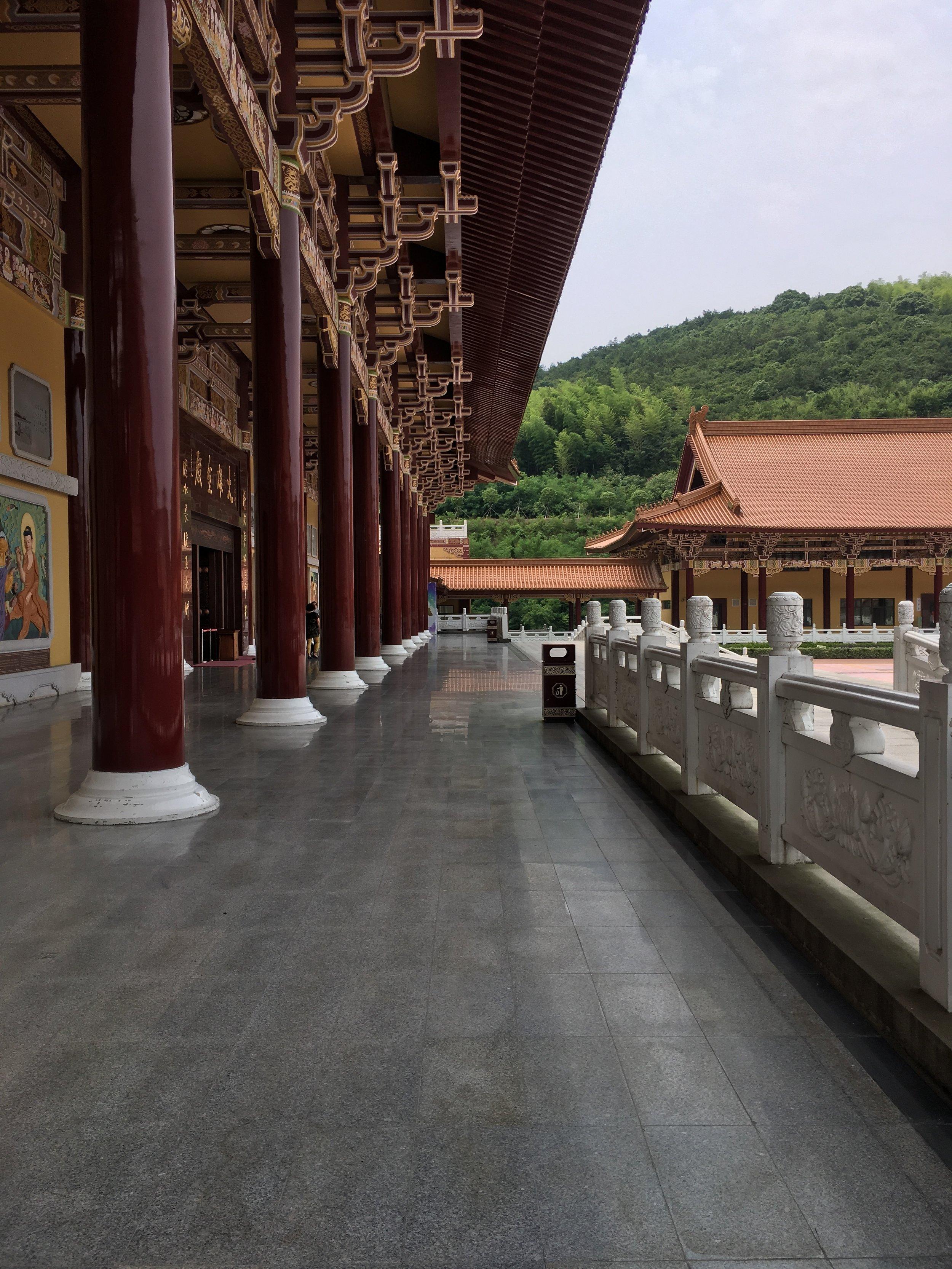 Temple_JiangSu_b.JPG