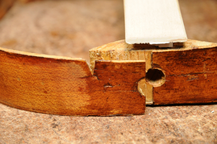 First, I had to carefully remove the rib from the lower block. I also removed the badly fit piece of wood.