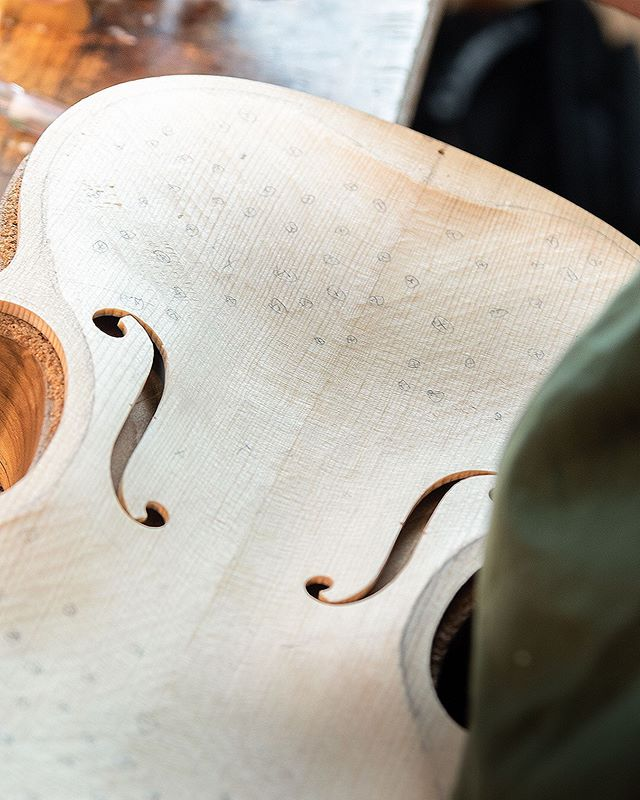 Ryan plays battleship inside the new beautiful violin top • • • • • • #luthier #violinmaking #violinshop #woodworking #classicalmusic