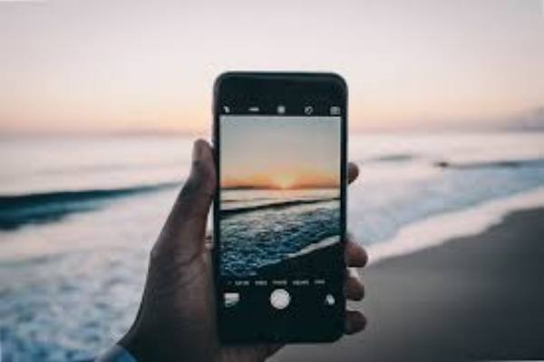 Thad Kubis, Berkshire photographer, will show you how to take great pictures with your phone or tablet; edit them and arrange them in albums. Registration preferred, stop in or call 413-229-7004.