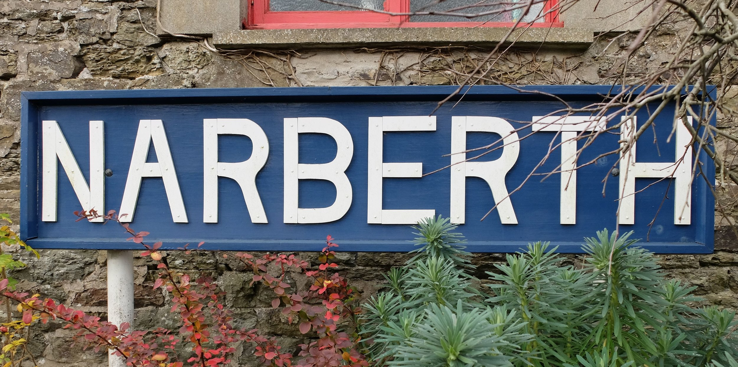 Narberth+station+sign+straight.jpg