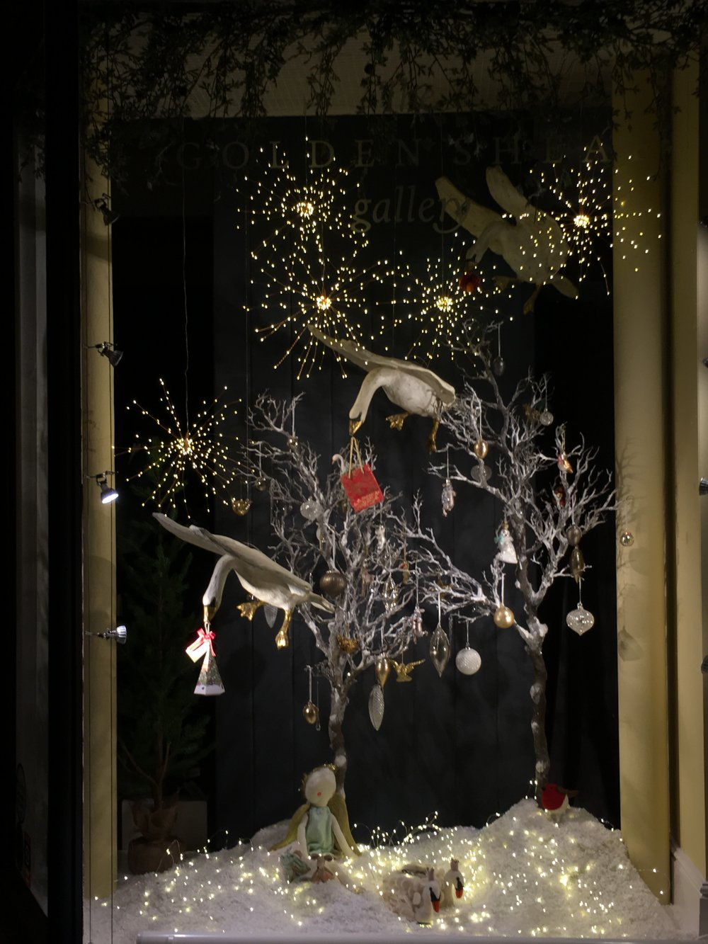 Golden+Sheaf+Gallery+Narberth+Christmas+window+display.JPG