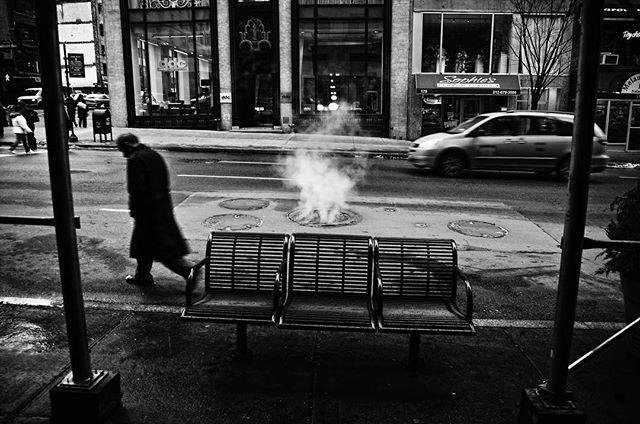 """Z serii """"Nowojorczycy"""" 2007-2010. #newyorkcity #manhattan #streetphotographer #color #midtown #newyorkers #nikon #nikond3 #rawshooter ##newyorklike #NewYorkExplored #city_of_newyork  #what_i_saw_in_nyc #light #chroma"""