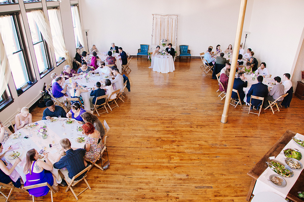 CASUAL WEDDING - CEREMONY & RECEPTION52 PEOPLE / ROUND TABLES