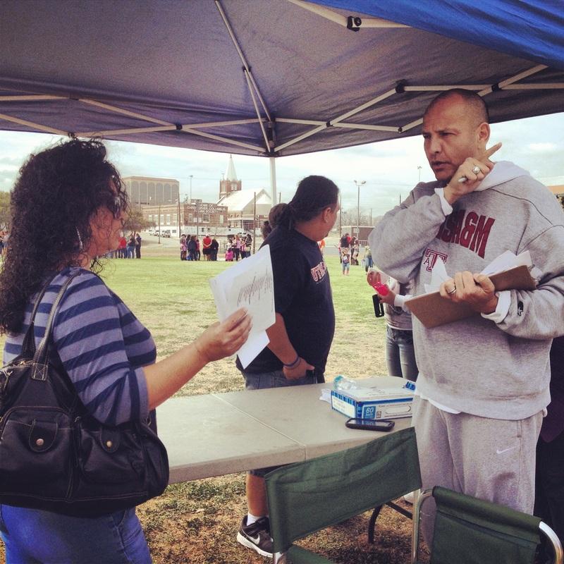 El ex-alcalde de San Antonio, Ed Garza, creó la Urban Soccer Leadership Academy para niños necesitados. Muchos expertos creen que es un modelo que puede funcionar en otras partes del país. (Foto cortesía de Urban Soccer Leadership Academy)