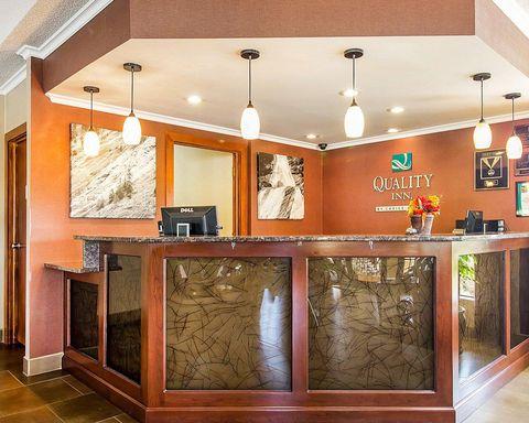 Quality Inn   620 Green Valley Drive Dandridge TN, 37725 (865) 397-4310