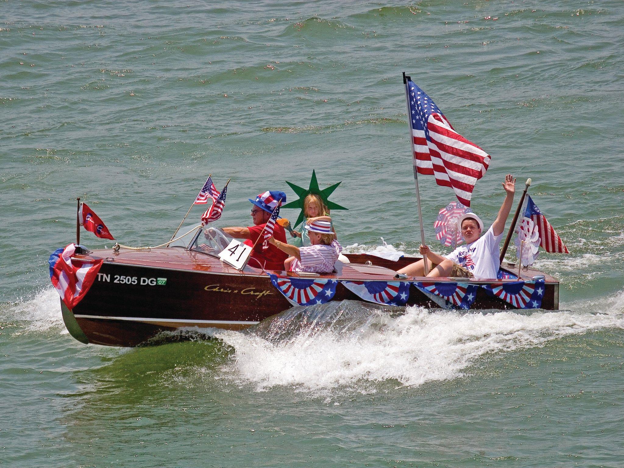 DYC July 4 Parade.jpg