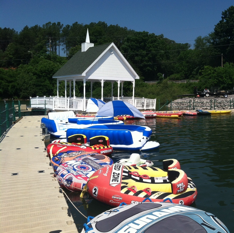 Lake_floats.jpg