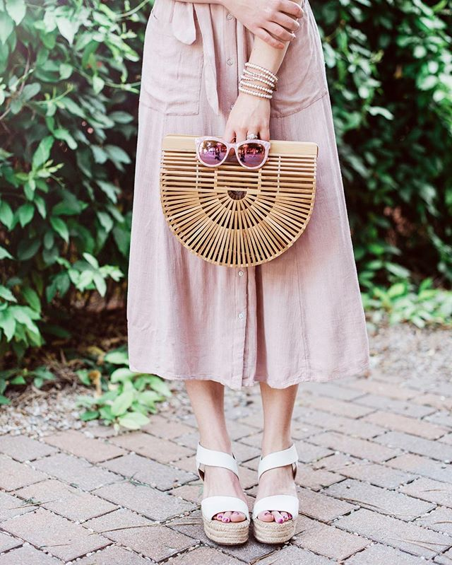 I'm obsessed with this purse, and to be fair, you've probably already seen me post pictures with this purse (cause that's how much I love it). So, I've made a round up of all my favorite summer handbags, just for you! Check out my ShopStyle page at: https://www.shopstyle.com/collective/HaleighBelle to see all the best handbags for this summer!  Photo credit: @Madelineharperphoto 💛 . 🖤: https://www.liketoknow.it/haleighbelle 🛍: https://www.shopstyle.com/collective/HaleighBelle