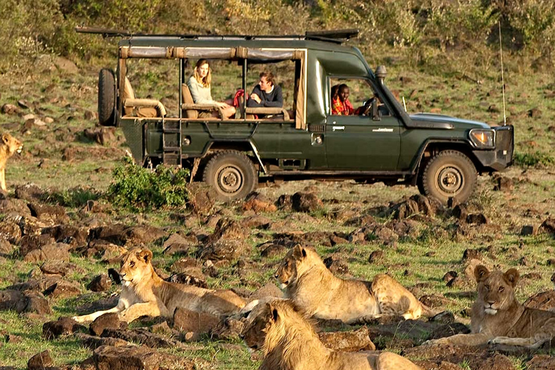 rothschild-safaris-jeep.jpg