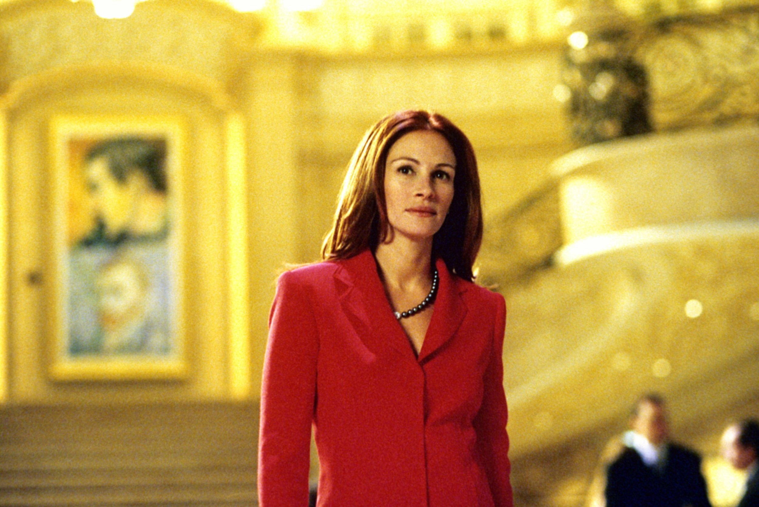 Julia Roberts plays 'Tess Ocean' in  Oceans 11 . In the middle of this Las Vegas art heist is Tess Ocean, a curator at the Bellagio's Art Gallery