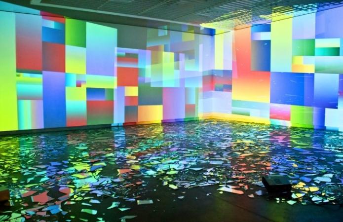 Melanie Bonajo and Rafael Rozendaal in collaborative exhibition SEVEN/VIDEO at The Boiler