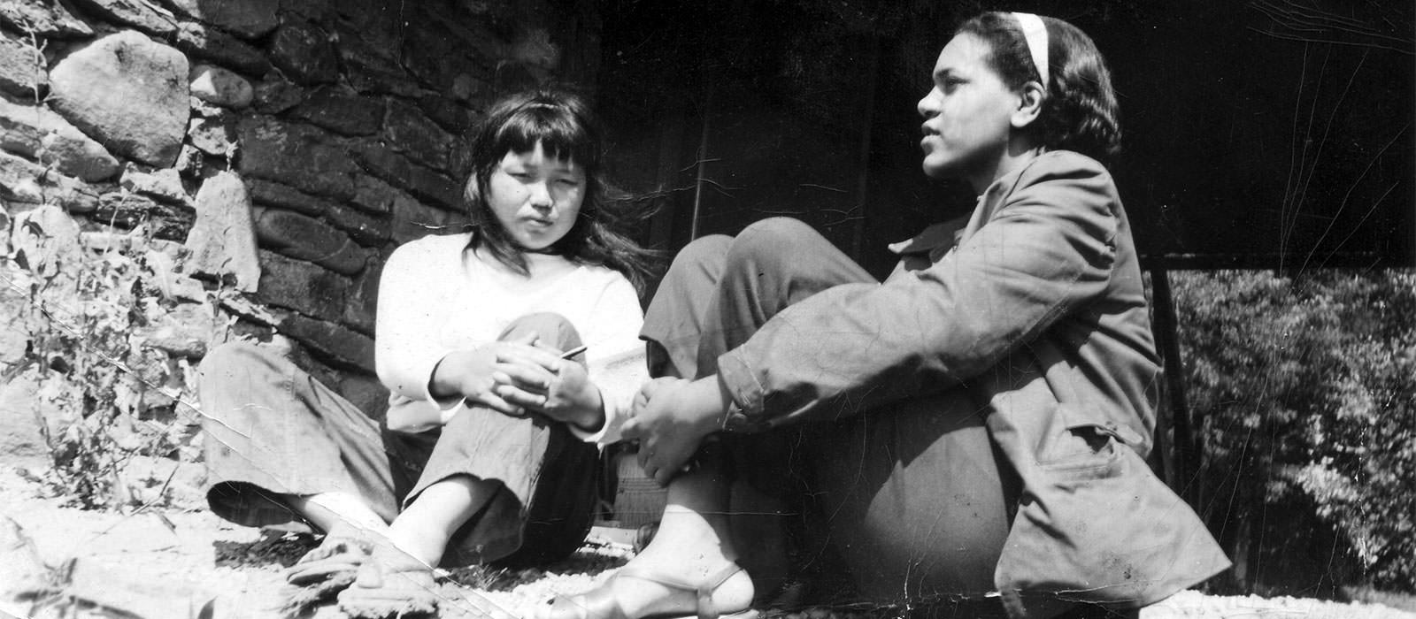 Ruth Asawa and Ora Williams, 1946, both students at Black Mountain College