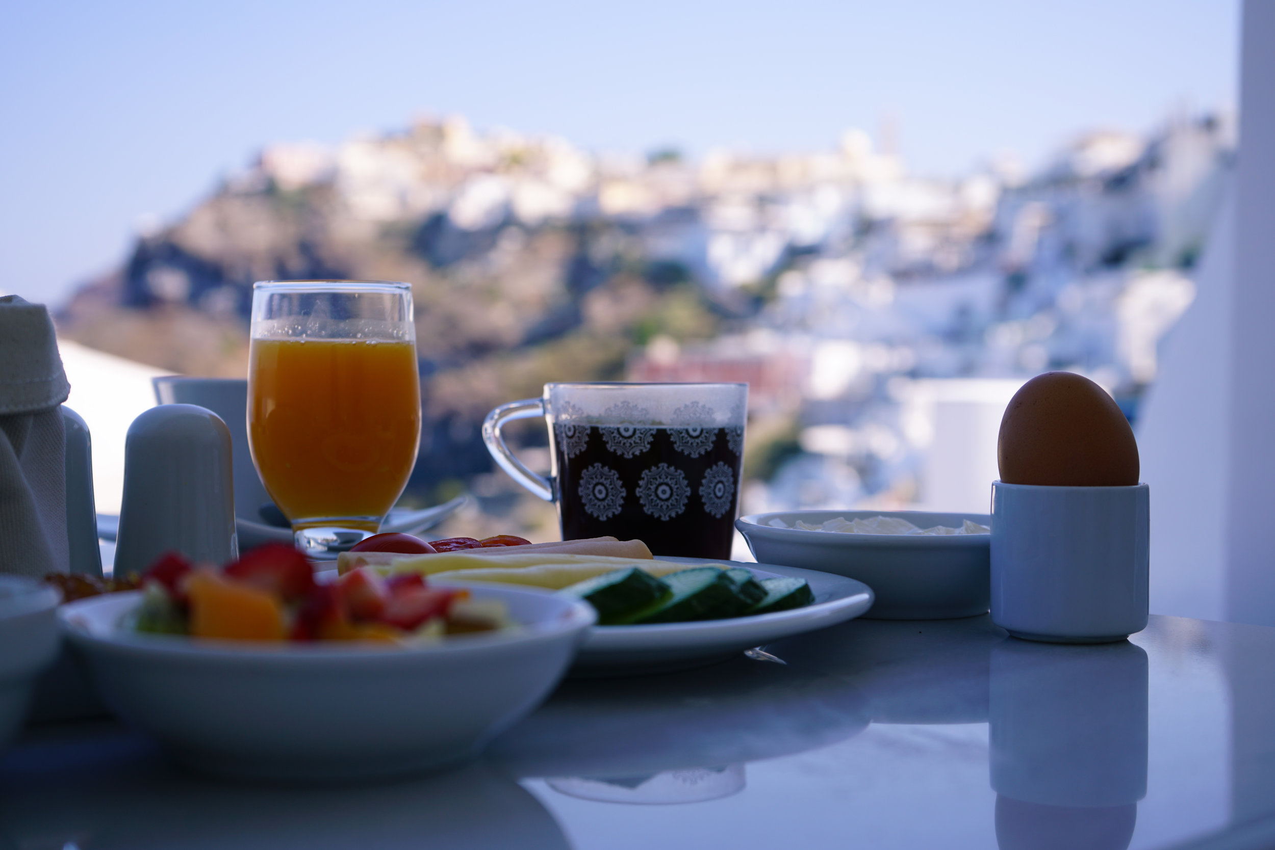 Breakfast via balcony with a view!