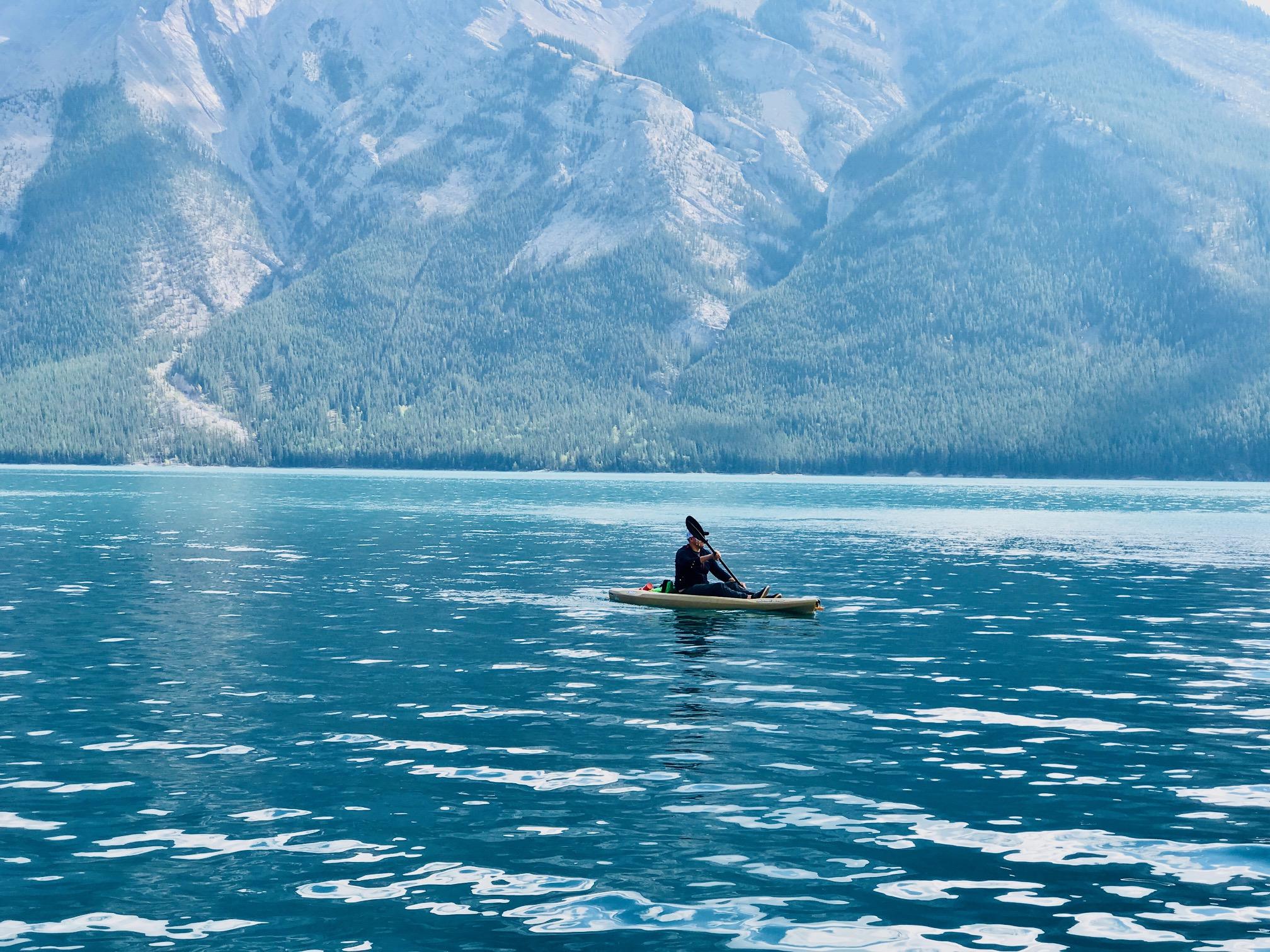 Lake Minnewanka Boat Rentals
