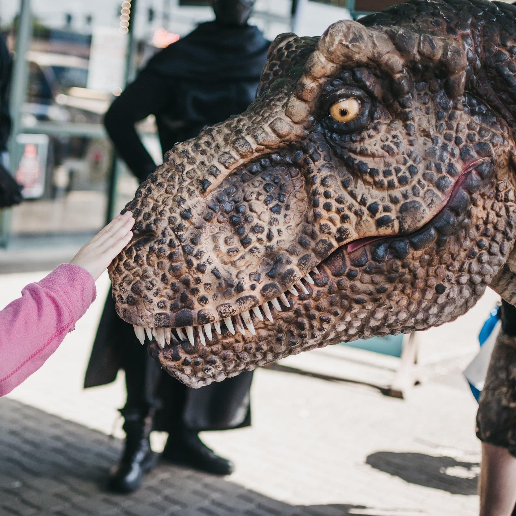 rent+a+dinosaur+portland