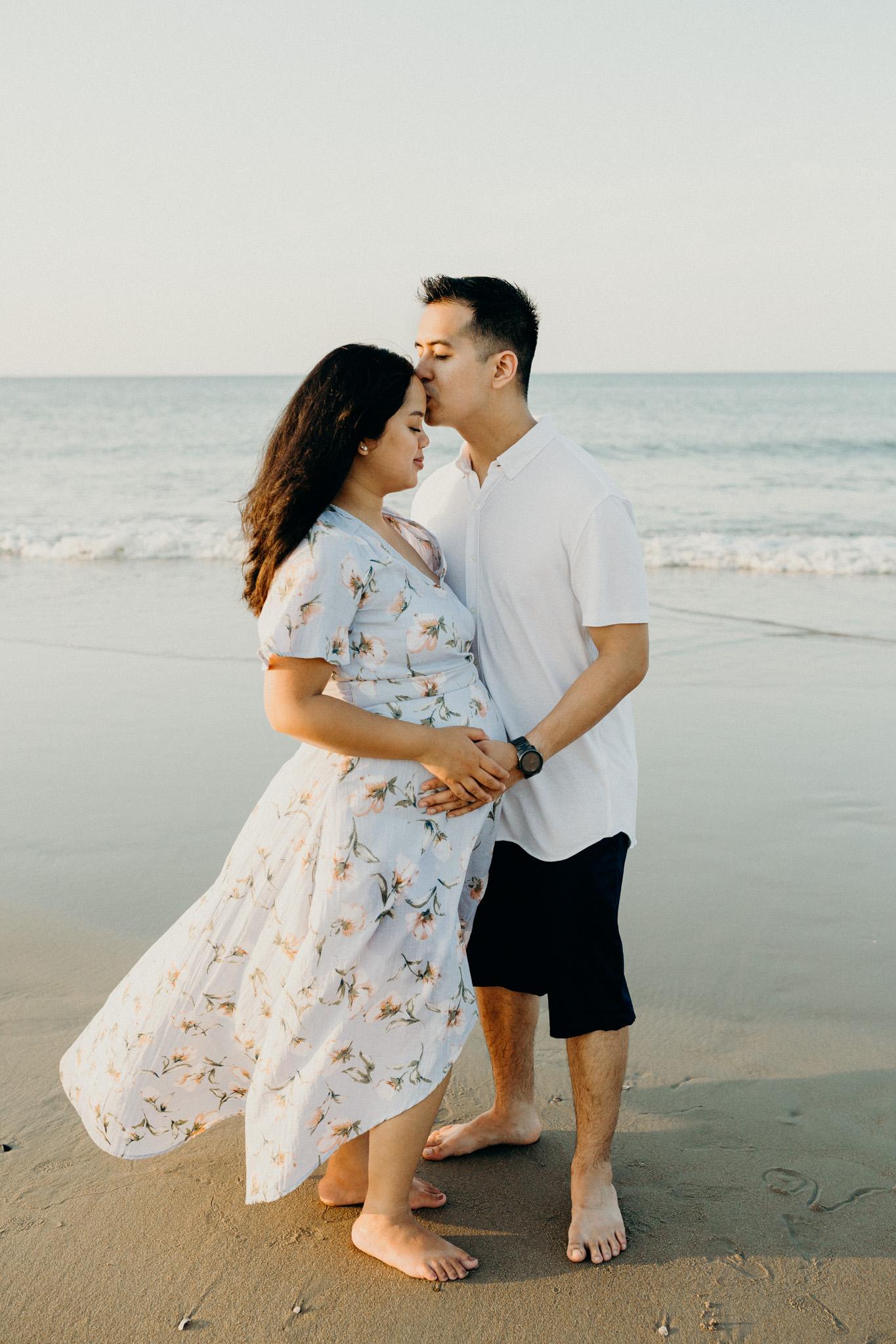 maternity-beach-1.jpg