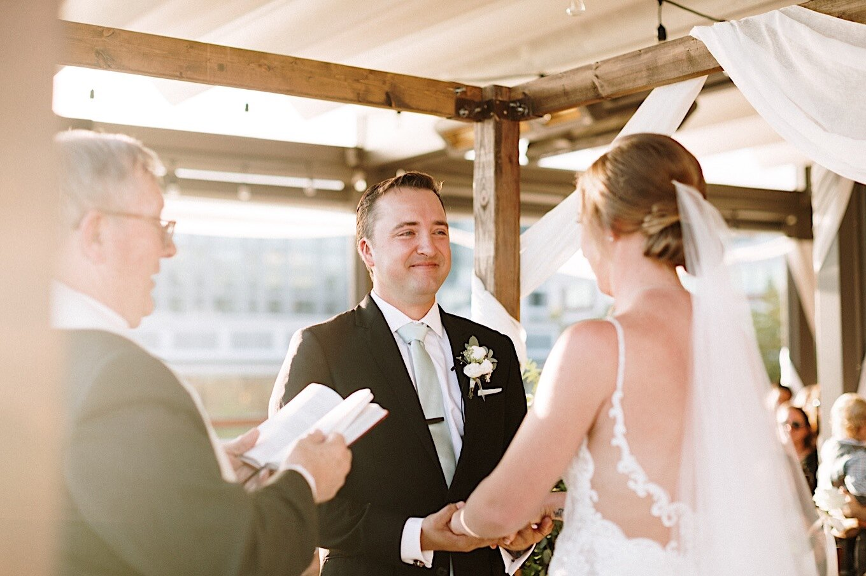 18_schutt-wedding-sneakpeek-23.jpg