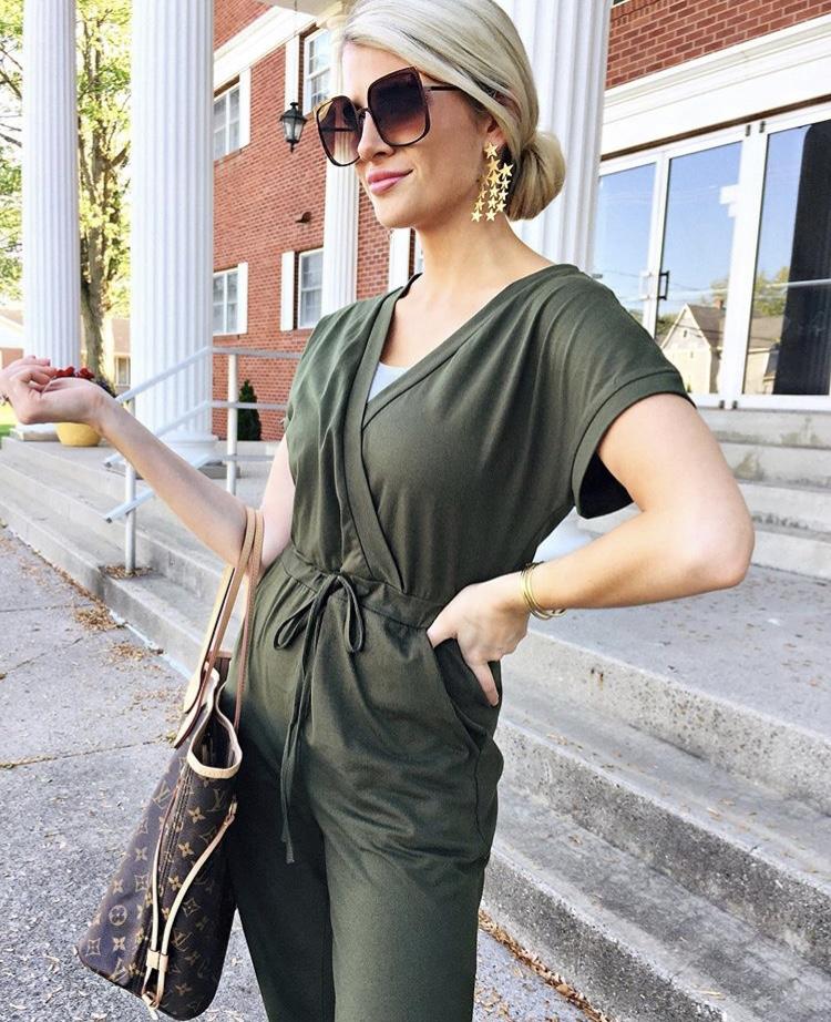 @alismithstyle is wearing Luxus in bronze.