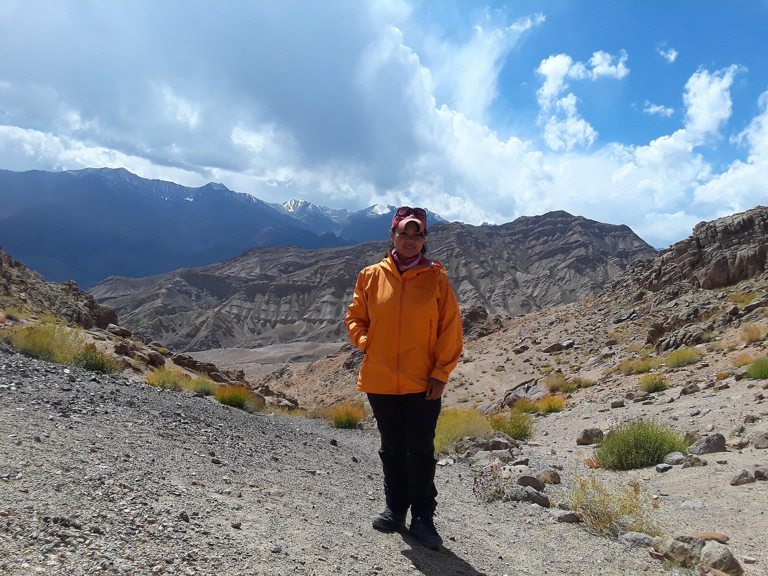 We reached the Pobe La pass with glacier peak views.