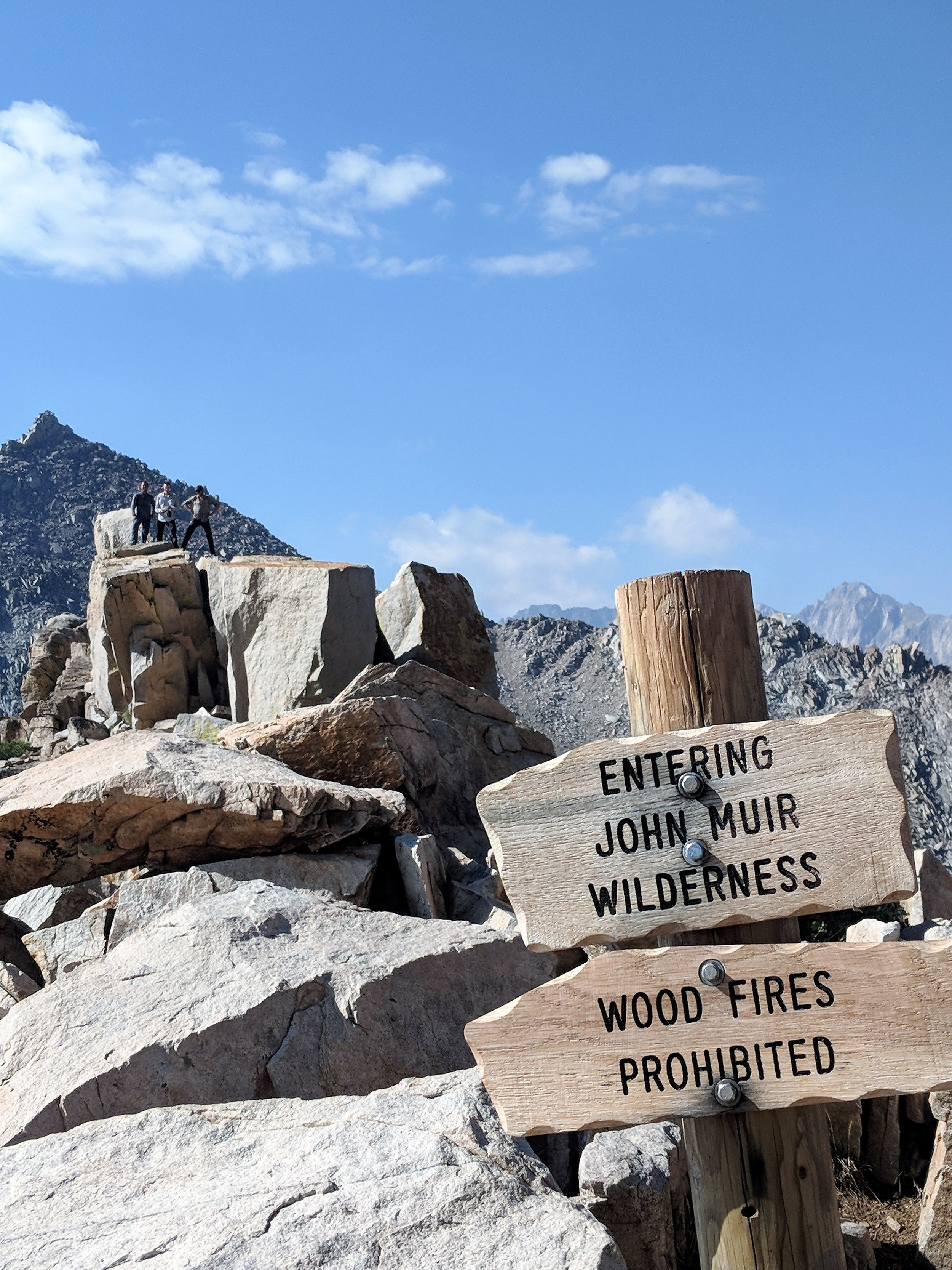 Lucky NOBO thru-hikers on the JMT.