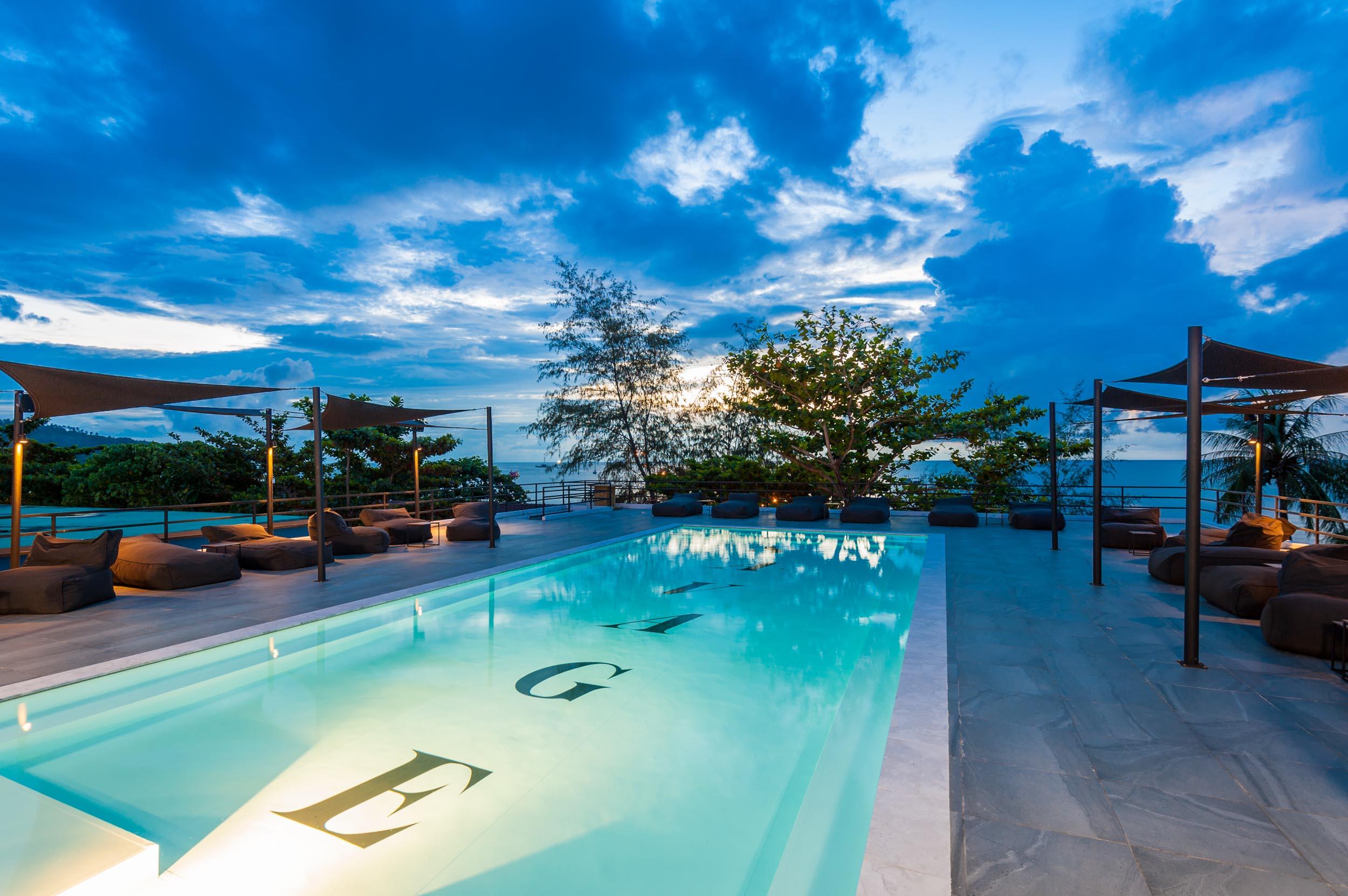 Savage Hostel Koh Tao - Pool