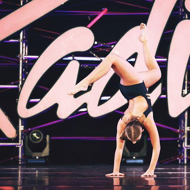 Only 6 more days until #E3DC auditions! Who is ready for the best season yet?! 🖤🙌🏽 . . . . . . . . #E3DCfam #E3 #mindbodysoul #dancespiritmagazine #dancer #instagramfordancers #danceclass #dancers #danceshoes #dancerecital #ballet #chicagodance #dancelife #dancestudio #choreography #sportsman #dancefloor #championship #justdance #sportphoto #contemporarydance #fitness #actionphotography  #midwestmoment #insta_chicago #dancersofinstagram #dancegoals #traininsane #masterclass