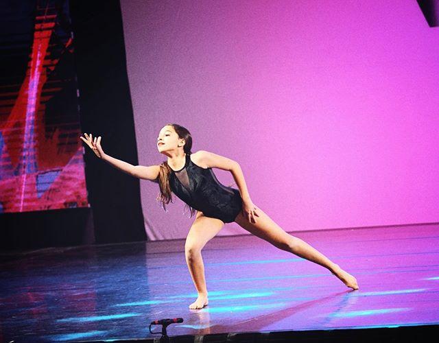 🖐🏽 more days until #E3DC season 3 tryouts! Have you filled out your audition form yet?! 🙀🎉😍 . . . . . . . . #e3dcfam #E3 #mindbodysoul #dancespiritmagazine #dancer #instagramfordancers #danceclass #dancers #danceshoes #dancerecital #ballet #chicagodance #dancelife #dancestudio #choreography #sportsman #dancefloor #championship #justdance #sportphoto #contemporarydance #fitness #actionphotography  #midwestmoment #insta_chicago #dancersofinstagram #dancegoals #traininsane #masterclass