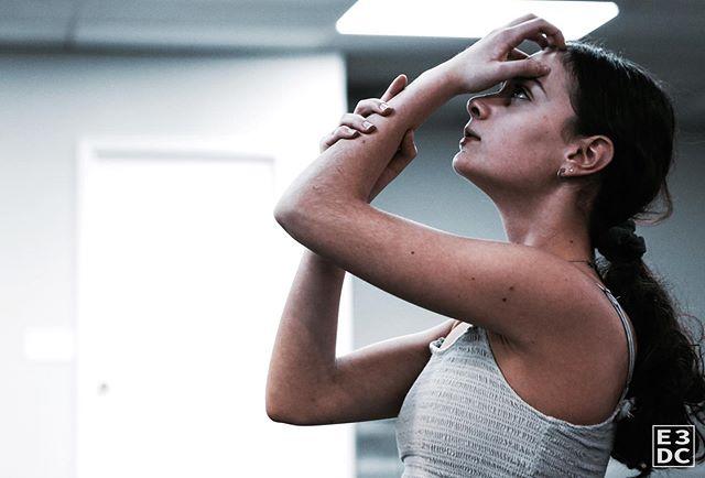 """Challenges are what make life interesting; Overcoming them is what makes life meaningful."" 🙌🏽🖤 . . . .📸: @kt_miller_photography . . . . #E3DC #E3 #mindbodysoul #dancespiritmagazine #dancer #instagramfordancers #danceclass #dancers #danceshoes #dancerecital #ballet #chicagodance #dancelife #dancestudio #choreography #sportsman #dancefloor #championship #justdance #sportphoto #contemporarydance #fitness #actionphotography  #midwestmoment #insta_chicago #dancersofinstagram #dancegoals #traininsane #ktmillerphotography"