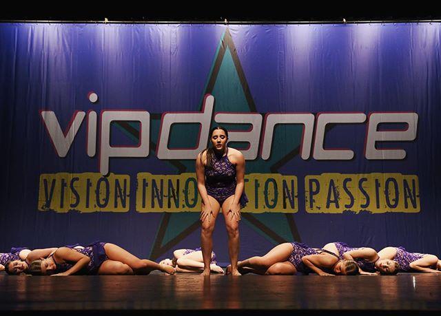 """Whatever you are, be a good one."" 🖤🙌🏽 . . . . 📸: @kt_miller_photography . . . . #E3DC #E3DCfam #E3 #mindbodysoul #dancespiritmagazine #dancer #instagramfordancers #danceclass #dancers #danceshoes #dancerecital #ballet #chicagodance #dancelife #dancestudio #choreography #sportsman #dancefloor #championship #justdance #contemporarydance #fitness #actionphotography  #midwestmoment #insta_chicago #dancersofinstagram #dancegoals #vipdance #ktmillerphotography #jawashi1"