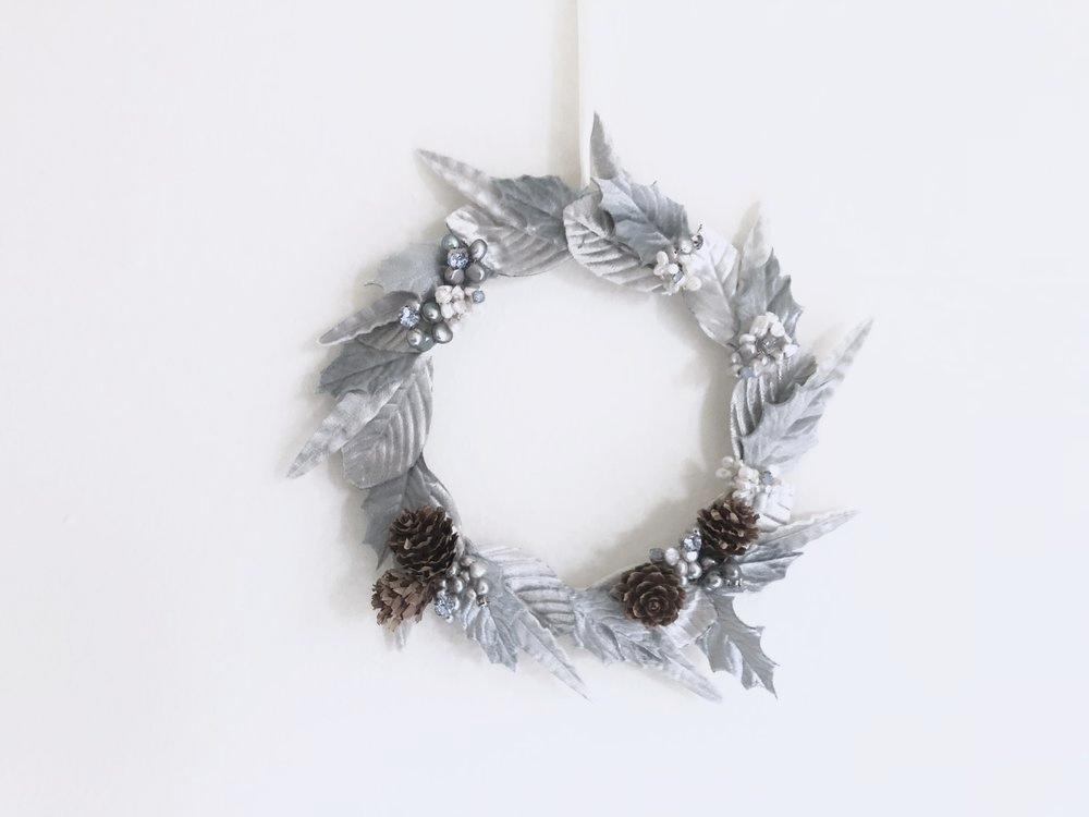 silverandblue_wreath.jpeg