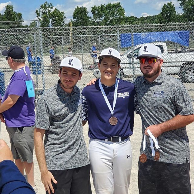 Diamond player, Eliott Stickler @eliottcatches , represented Diamond Baseball Club, Austin, and the state of Texas at the JCC Maccabi Games in Detroit, MI. Congratulations on bringing home a bronze medal!