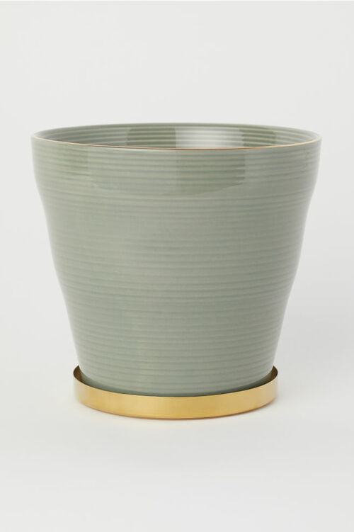 Fluted Plant Pot with Saucer