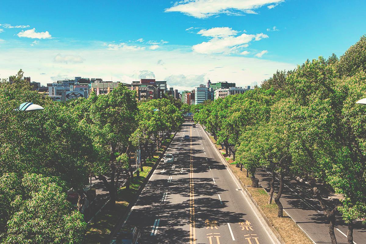 講究,不將就ZhongShan N. Road - 中山北路定調了時代的轉場,代表台北的豪情綻放