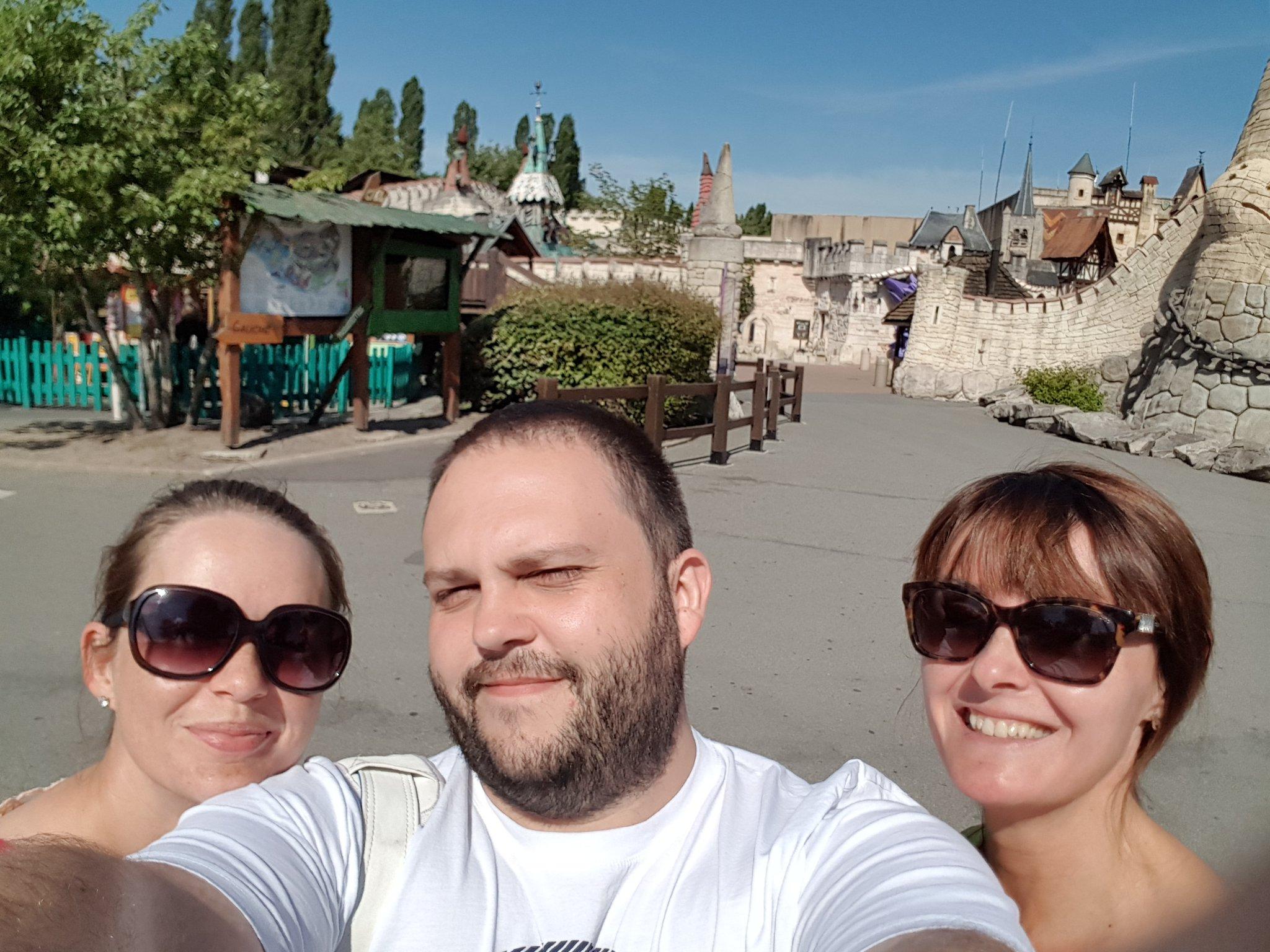 "Tweet - @CymraegACS ""Bonjour from sunny parc asterix @AberdareMFL"""