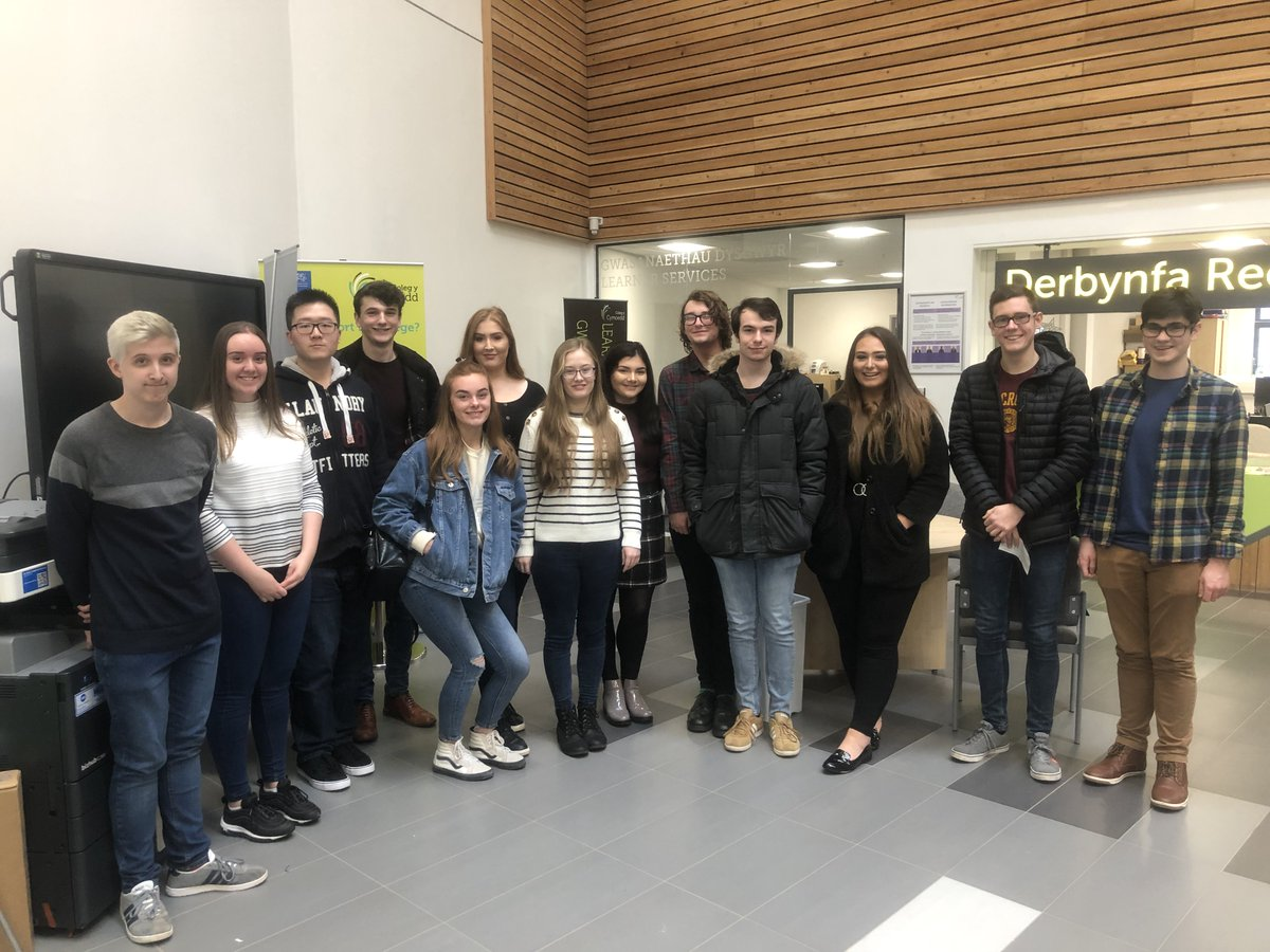 Honored to see some of our past pupils each receiving a scholarship of £200 from the Rhys Llewelyn fund for achieving top grades in their results last year. Well done!