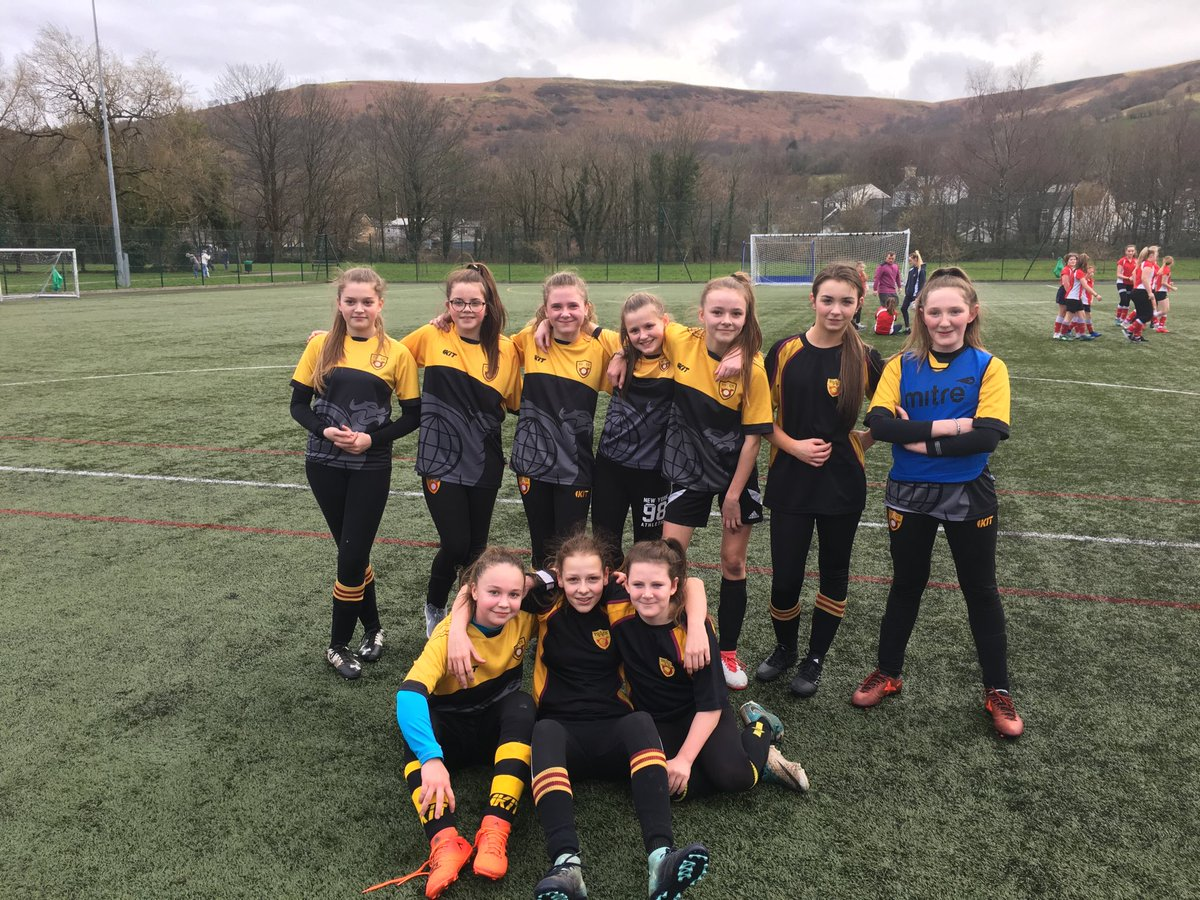 Big well done to yr 7 & 8 girls football with a nice win against @StjohngirlsPE in the RCT cup