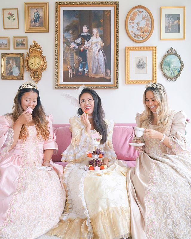 ✨Sunday's are for tea time with friends✨