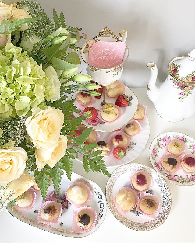 Stay nice and warm with a cup of tea and some treats with a Royal Day In 💕