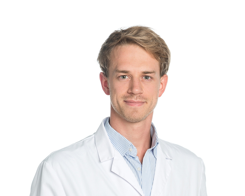 Johannes Goldberg, M. D. - Johannes Goldberg is a 3rd year resident at the neurosurgical department of Bern and member of the HORAO team. His research interests lie in brain tumors and development of new treatment modalities to help pushing boundaries further for brain tumor patients.