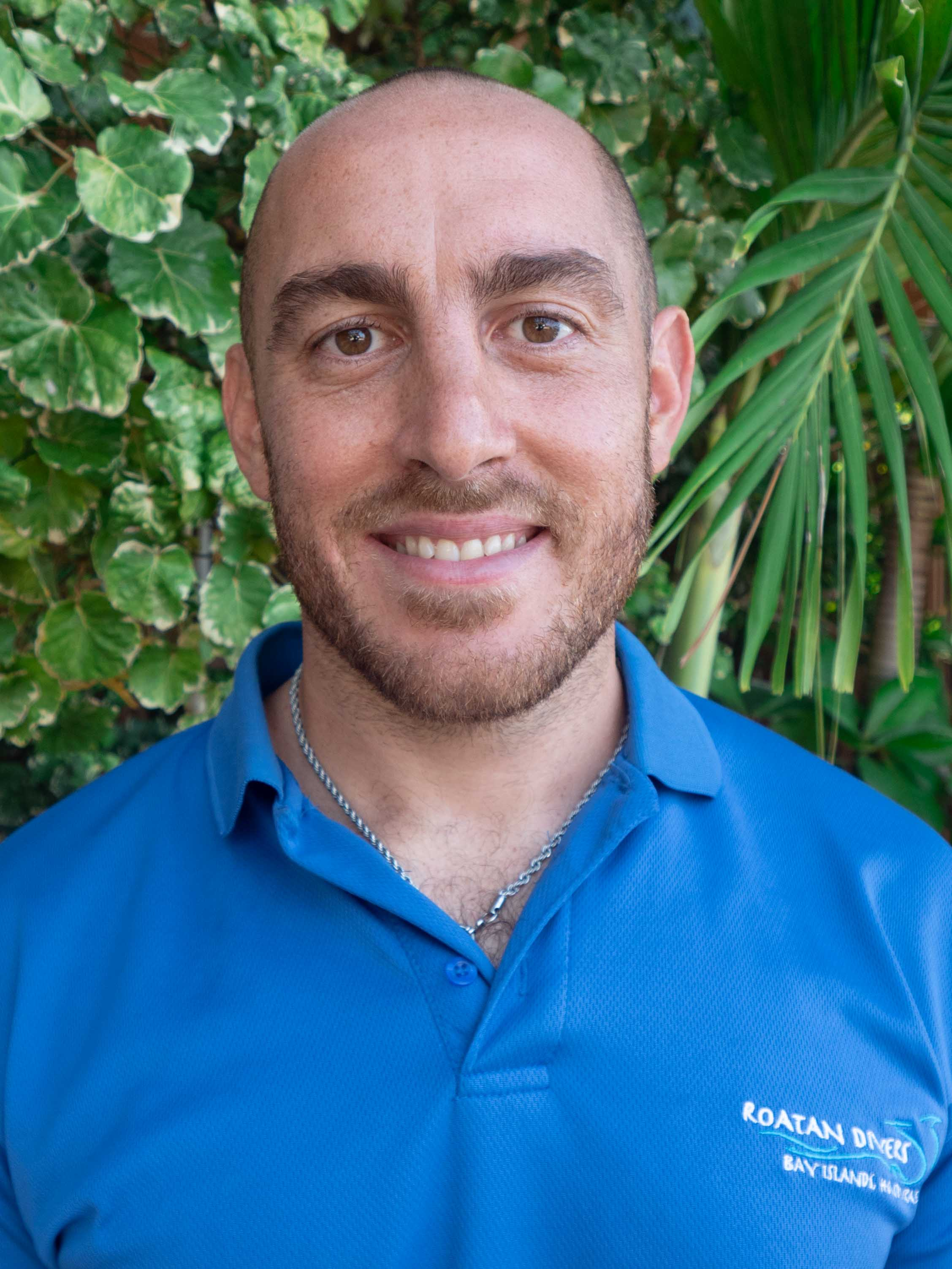 MARTIN - PADI Open Water Scuba Instructor  From: Buenos Aires, Argentina Speaks: Spanish, English Started diving in: