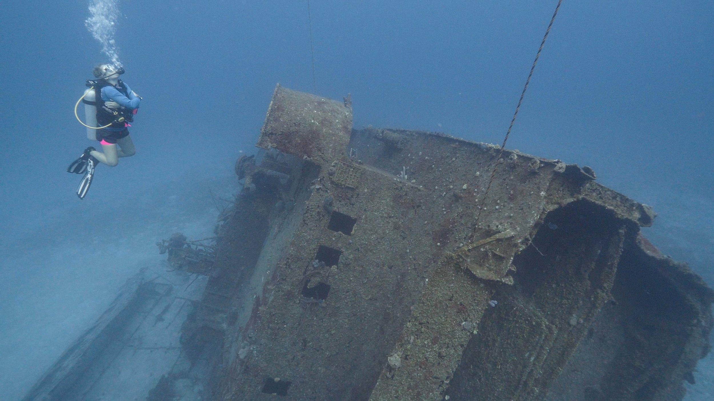 PADI Wreck Diver specialty Roatan Divers