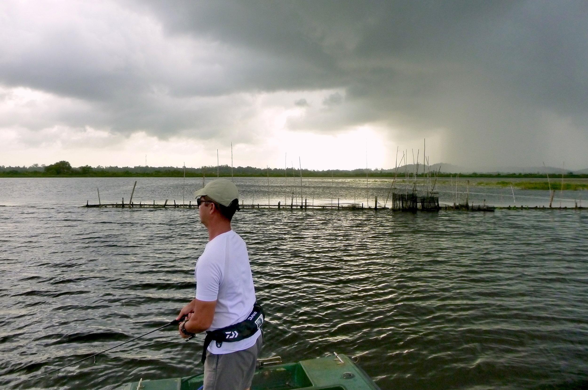 Sportfishing Lanka Fishing at Bolgoda Lake Heavy Rain Luring Casting.JPG