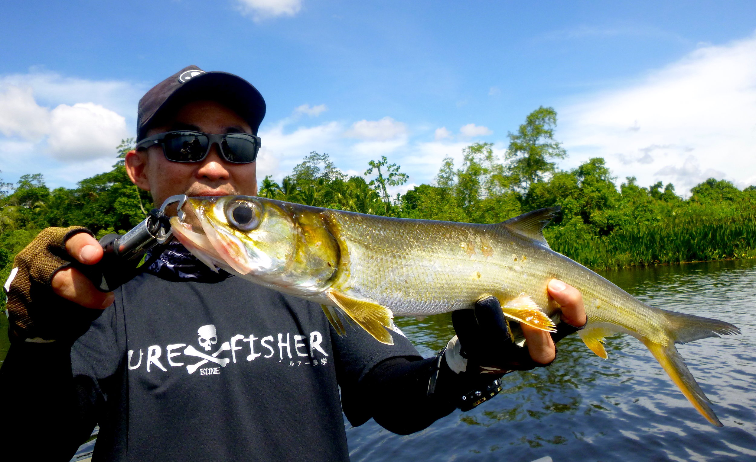 Fishing at Bolgoda Lake Lady Fish Sportfishing Lanka.JPG