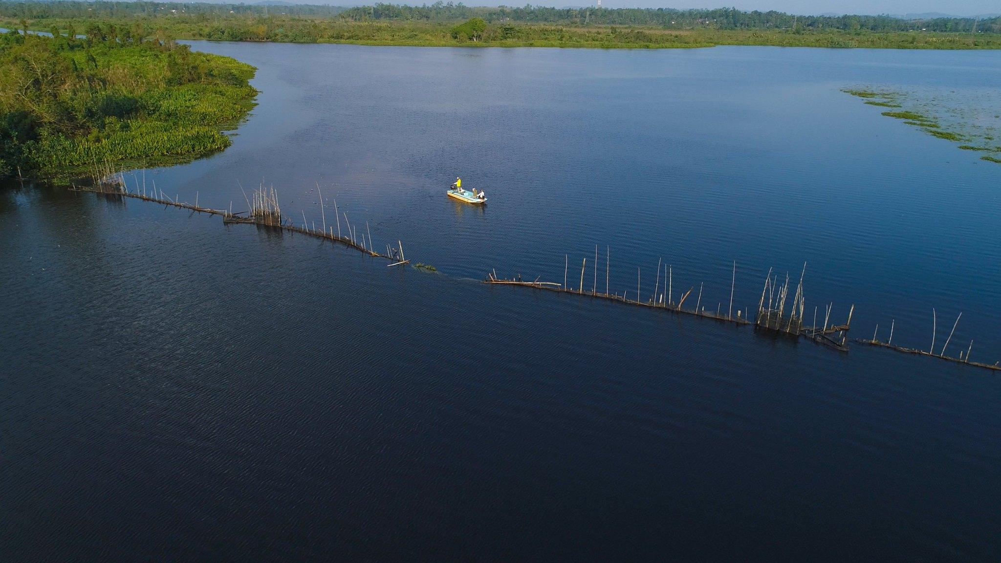 Fishing Barramundi Bolgoda Lake Sri Lanka.jpg